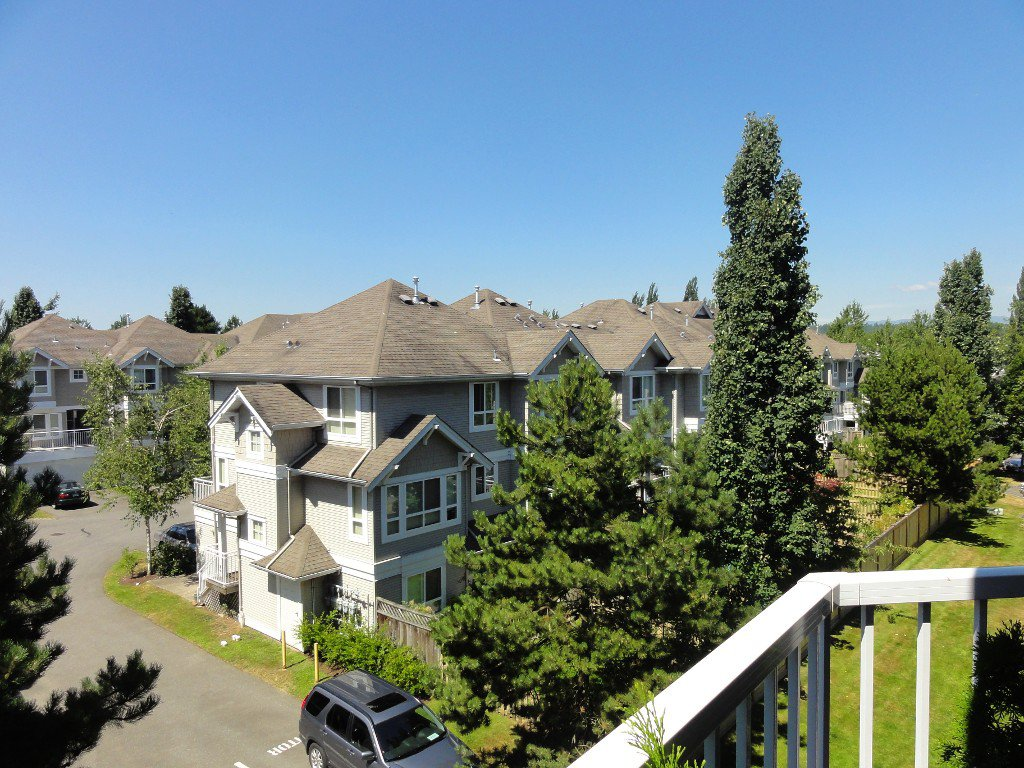 """Photo 15: Photos: 317 20894 57TH Avenue in Langley: Langley City Condo for sale in """"BAYBERRY LANE"""" : MLS®# F1227387"""