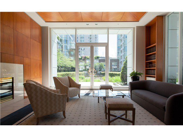 Photo 11: Photos: 1005 1500 HORNBY Street in Vancouver: Yaletown Condo  (Vancouver West)  : MLS®# V1129040