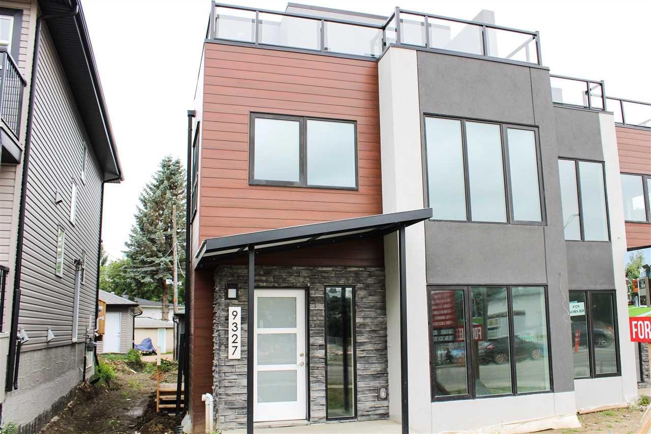 Main Photo:  in Edmonton: Zone 18 House Half Duplex for sale : MLS®# E4167925