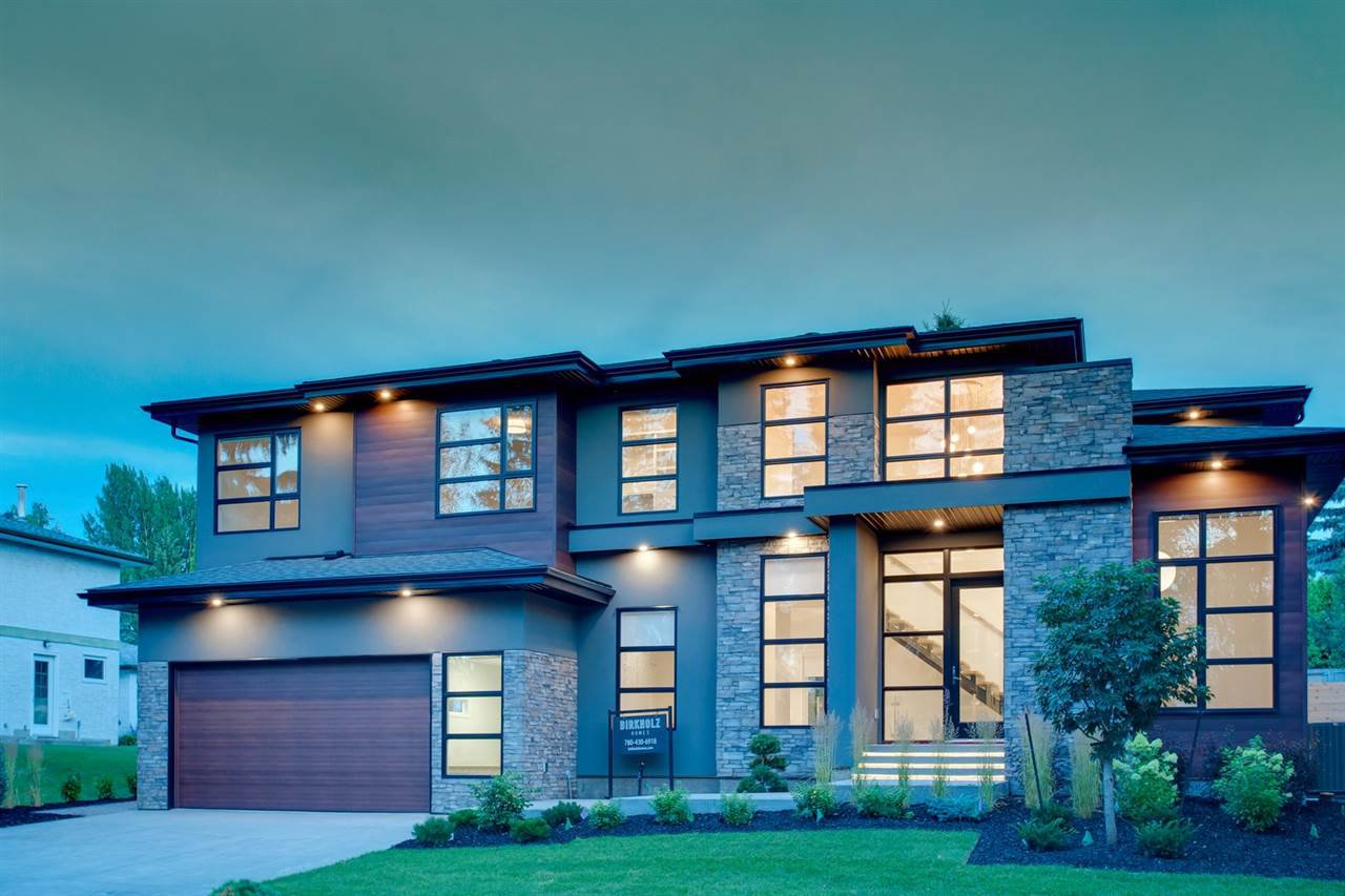 Main Photo:  in Edmonton: Zone 14 House for sale : MLS®# E4207787