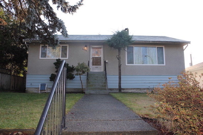 "Main Photo: 4098 KINCAID Street in Burnaby: Burnaby Hospital House for sale in ""Burnaby Hospital"" (Burnaby South)  : MLS®# R2490287"