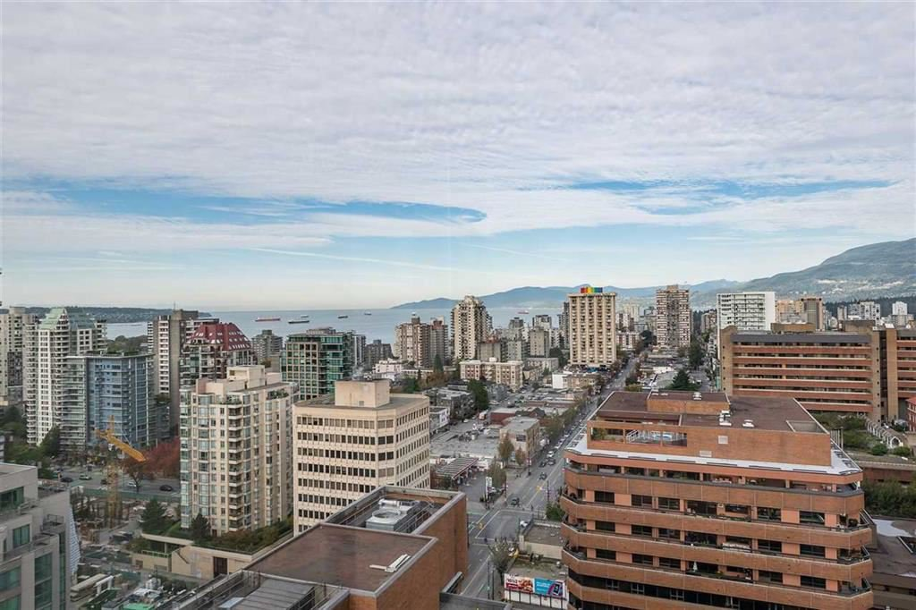 """Main Photo: PH4 1189 HOWE Street in Vancouver: Downtown VW Condo for sale in """"The Genesis"""" (Vancouver West)  : MLS®# R2513563"""