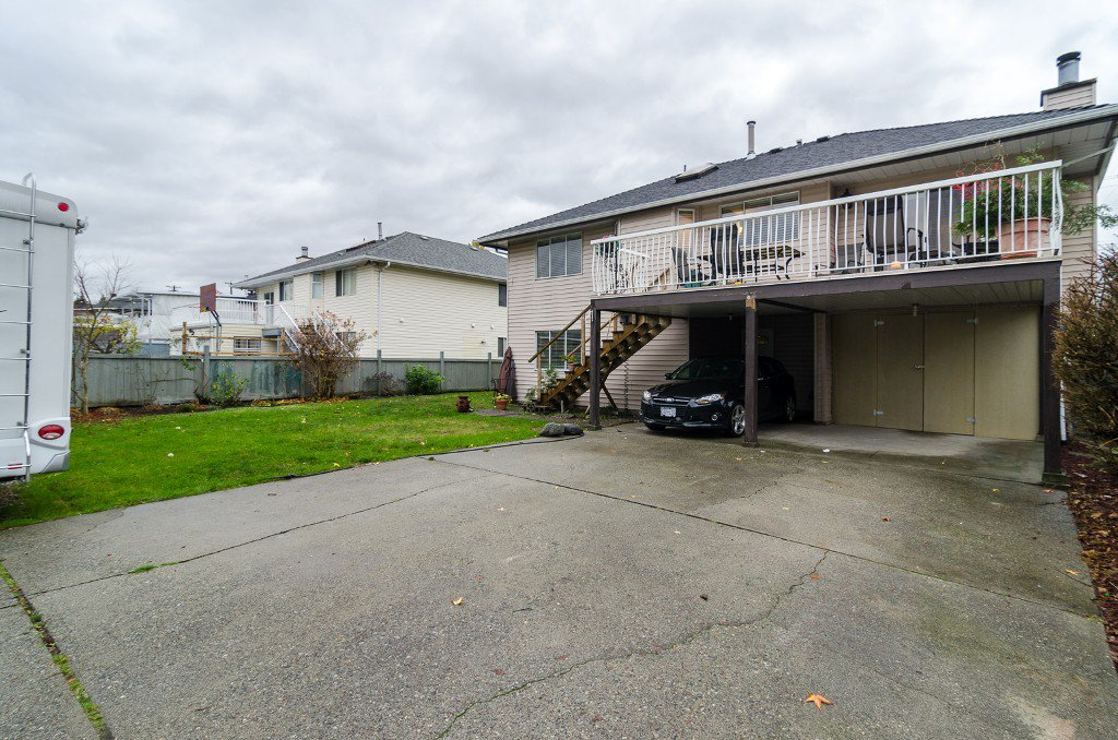 Photo 34: Photos: 6430 CURTIS Street in Burnaby: Parkcrest House for sale (Burnaby North)  : MLS®# V981822