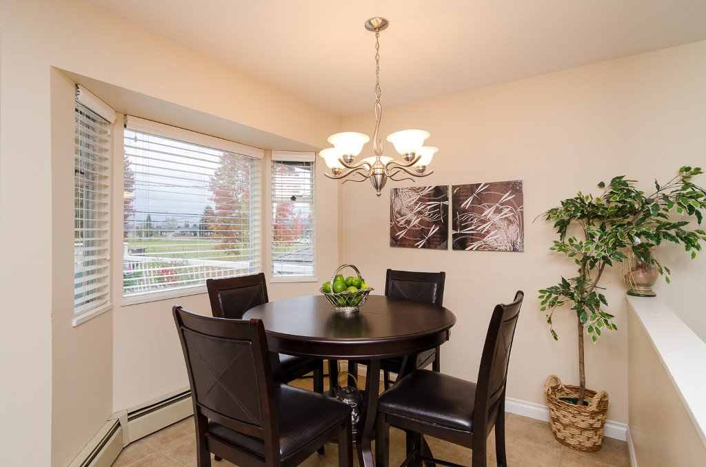 Photo 8: Photos: 6430 CURTIS Street in Burnaby: Parkcrest House for sale (Burnaby North)  : MLS®# V981822