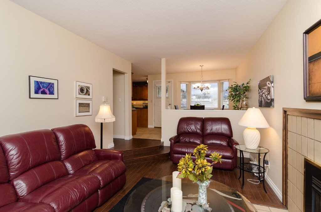 Photo 9: Photos: 6430 CURTIS Street in Burnaby: Parkcrest House for sale (Burnaby North)  : MLS®# V981822