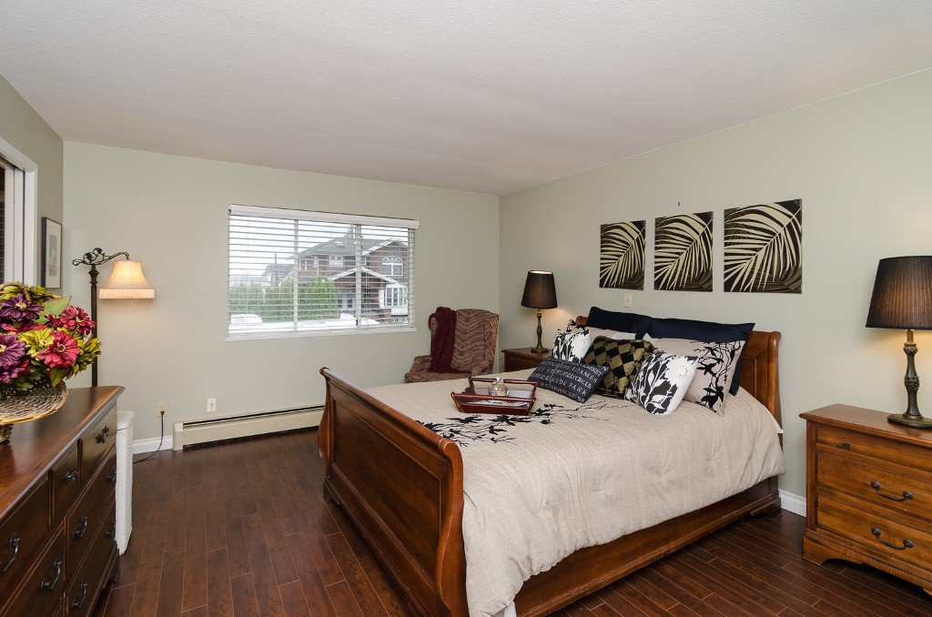 Photo 13: Photos: 6430 CURTIS Street in Burnaby: Parkcrest House for sale (Burnaby North)  : MLS®# V981822