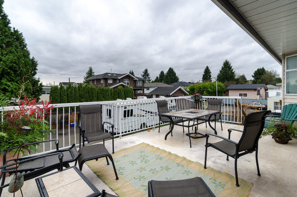 Photo 32: Photos: 6430 CURTIS Street in Burnaby: Parkcrest House for sale (Burnaby North)  : MLS®# V981822