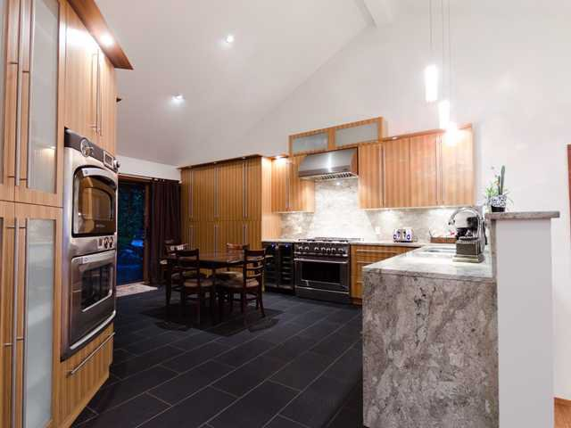 Photo 5: Photos: 848 YOUNETTE Drive in West Vancouver: Sentinel Hill House for sale