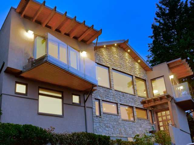 Photo 2: Photos: 848 YOUNETTE Drive in West Vancouver: Sentinel Hill House for sale