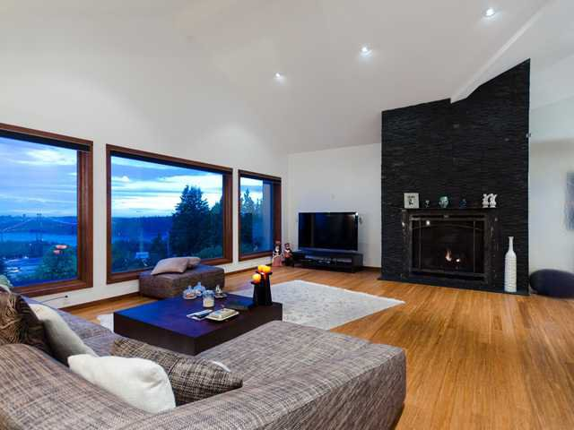 Photo 3: Photos: 848 YOUNETTE Drive in West Vancouver: Sentinel Hill House for sale