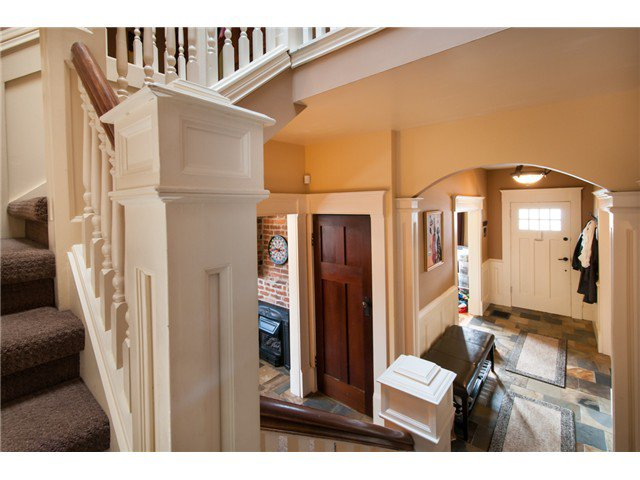 """Photo 2: Photos: 323 4TH ST in New Westminster: Queens Park House for sale in """"QUEENS PARK"""" : MLS®# V1001723"""