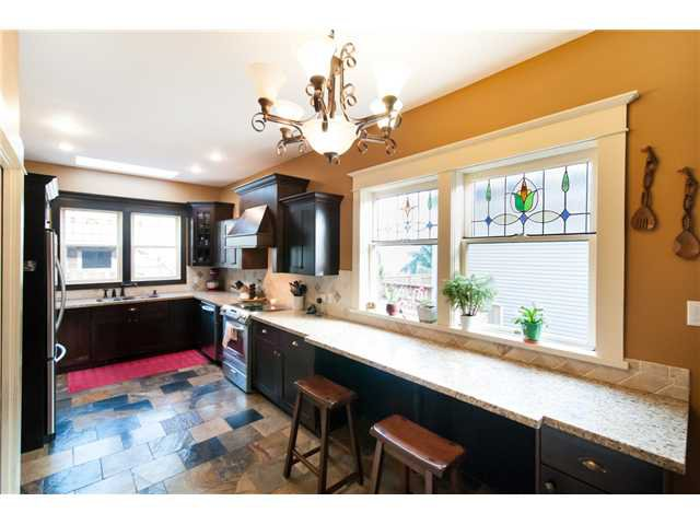 """Photo 6: Photos: 323 4TH ST in New Westminster: Queens Park House for sale in """"QUEENS PARK"""" : MLS®# V1001723"""