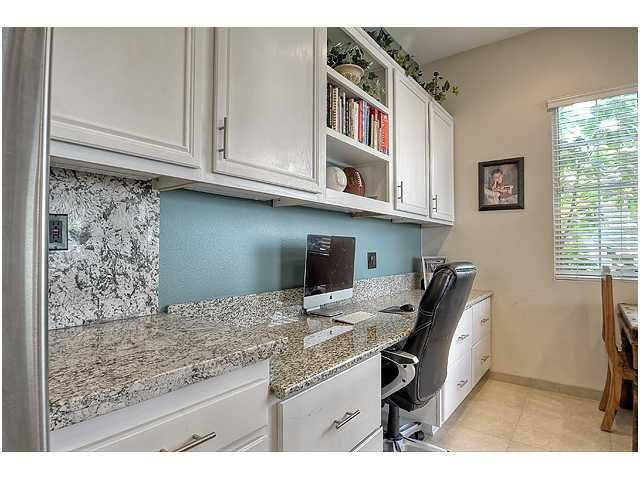 Photo 13: Photos: SCRIPPS RANCH Townhome for sale : 3 bedrooms : 11821 Miro Circle in San Diego