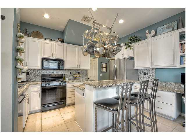 Photo 10: Photos: SCRIPPS RANCH Townhome for sale : 3 bedrooms : 11821 Miro Circle in San Diego