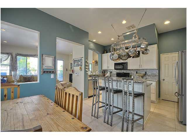 Photo 11: Photos: SCRIPPS RANCH Townhome for sale : 3 bedrooms : 11821 Miro Circle in San Diego