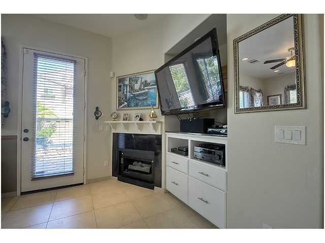 Photo 8: Photos: SCRIPPS RANCH Townhome for sale : 3 bedrooms : 11821 Miro Circle in San Diego