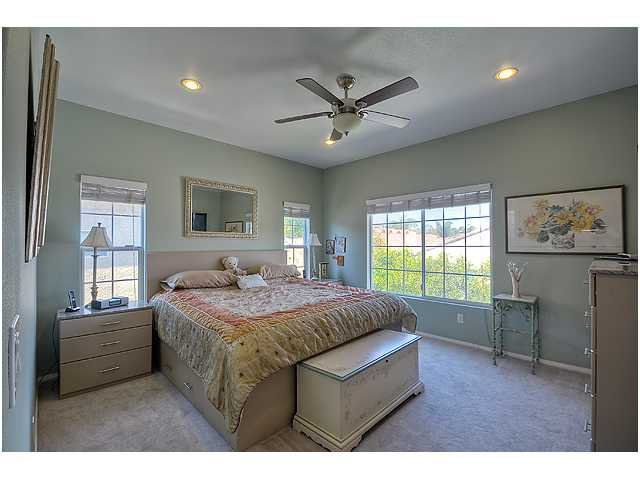 Photo 19: Photos: SCRIPPS RANCH Townhome for sale : 3 bedrooms : 11821 Miro Circle in San Diego