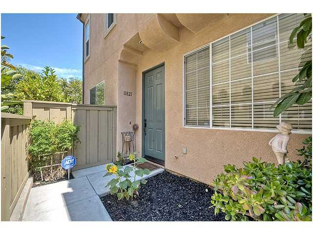 Photo 3: Photos: SCRIPPS RANCH Townhome for sale : 3 bedrooms : 11821 Miro Circle in San Diego