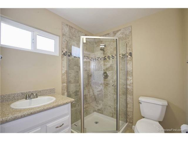 Photo 11: Photos: SCRIPPS RANCH House for sale : 4 bedrooms : 10453 Avenida Magnifica in San Diego