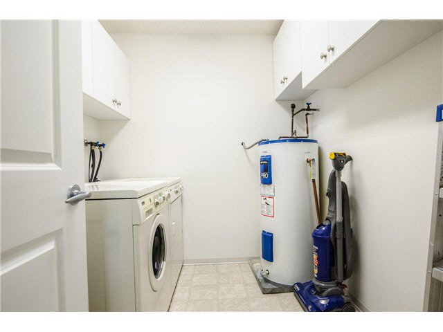 """Photo 13: Photos: 203 15317 THRIFT Avenue: White Rock Condo for sale in """"Nottingham"""" (South Surrey White Rock)  : MLS®# F1418103"""