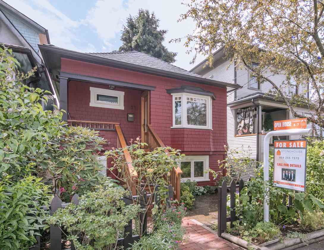 Main Photo: 1127 SEMLIN DRIVE in Vancouver: Grandview VE House for sale (Vancouver East)  : MLS®# R2094573