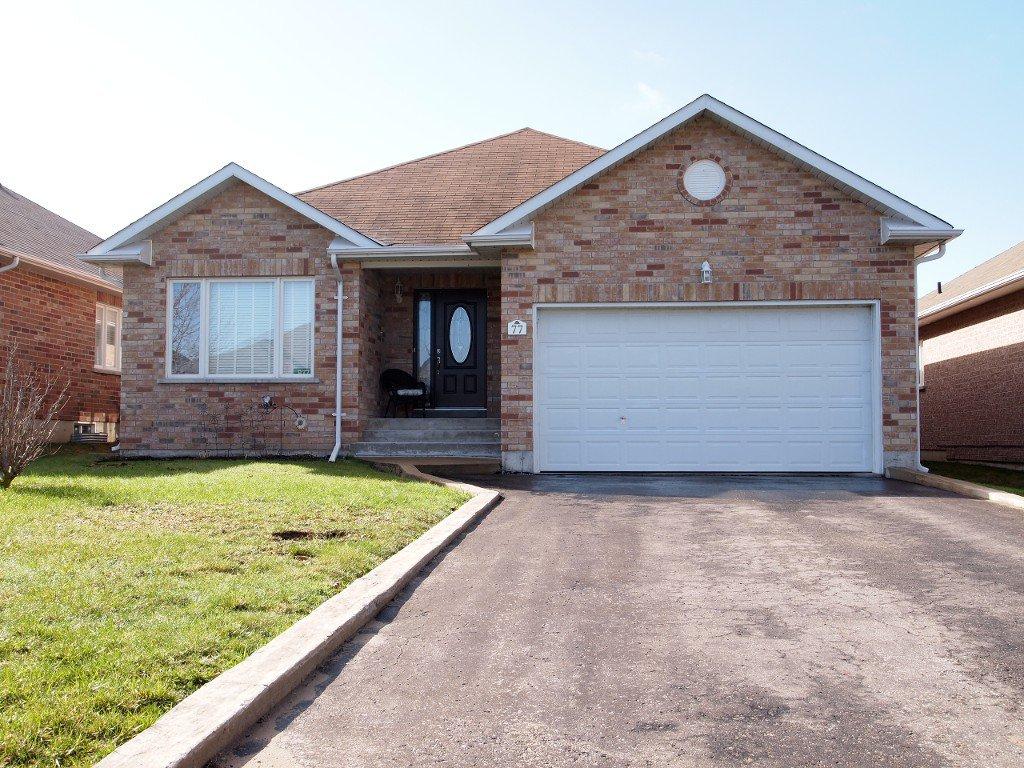 Main Photo: 77 Maplewood Avenue: Beaverton Freehold for sale (Brock)  : MLS®# N3770099