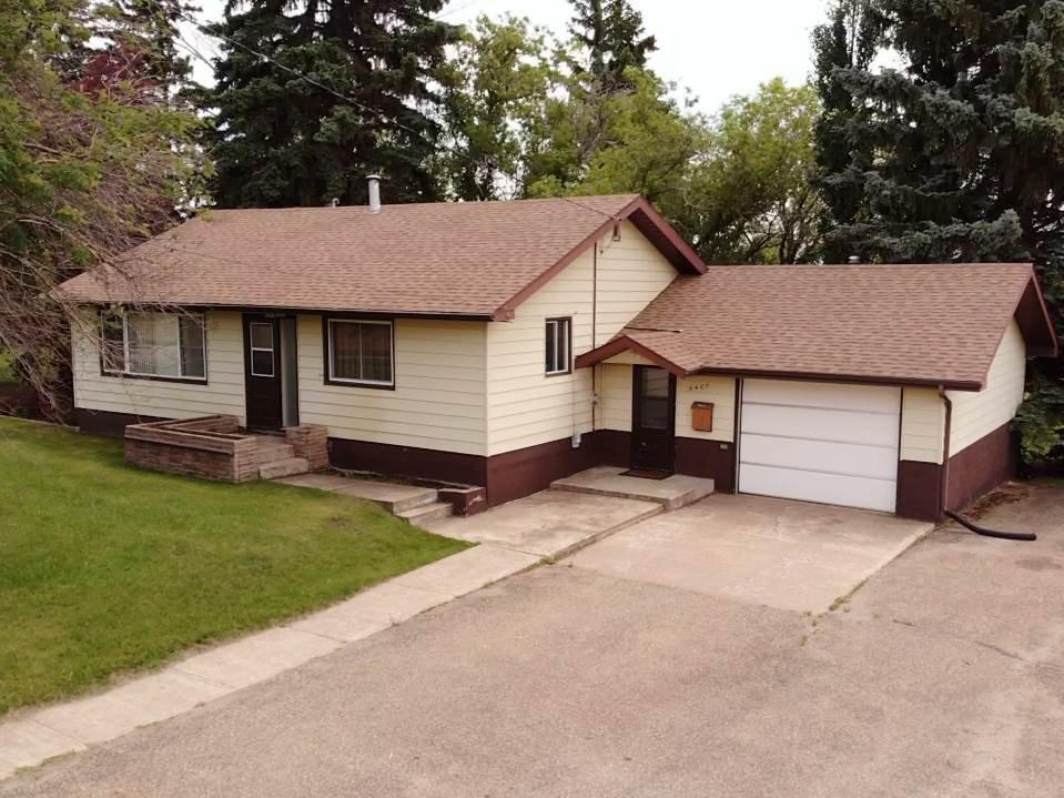 Main Photo: 5407 49 Avenue: Killam House for sale : MLS®# E4206289
