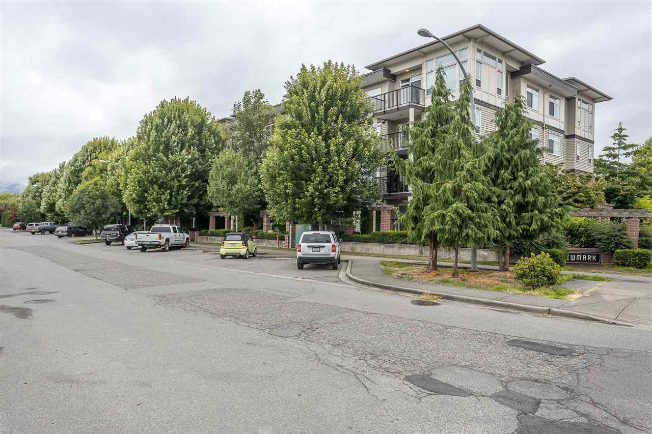 "Main Photo: 212 9422 VICTOR Street in Chilliwack: Chilliwack N Yale-Well Condo for sale in ""NEWMARK"" : MLS®# R2477598"