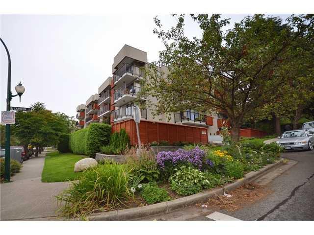 Main Photo: 110 2142 CAROLINA Street in Vancouver: Mount Pleasant VE Condo for sale (Vancouver East)  : MLS®# V908425