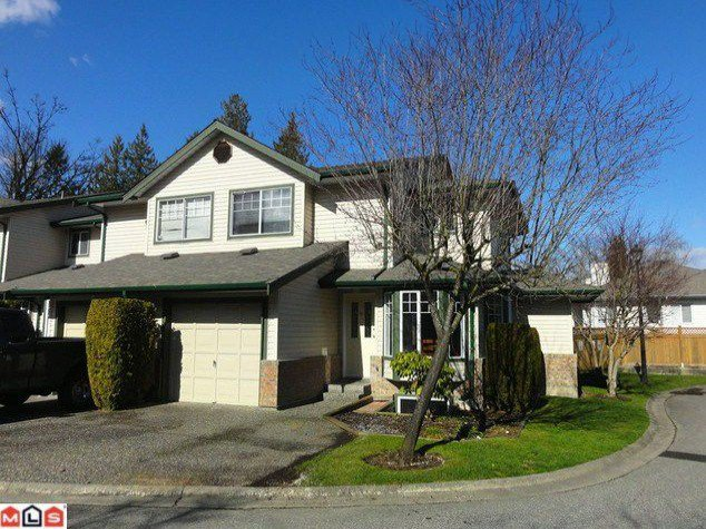 """Main Photo: 52 8863 216TH Street in Langley: Walnut Grove Townhouse for sale in """"EMERALD ESTATES"""" : MLS®# F1206185"""