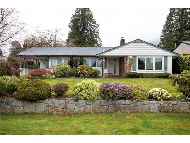 Main Photo: 926 WENTWORTH Avenue in NORTH VANCOUVER: Forest Hills NV House for sale (North Vancouver)  : MLS®# V1059097