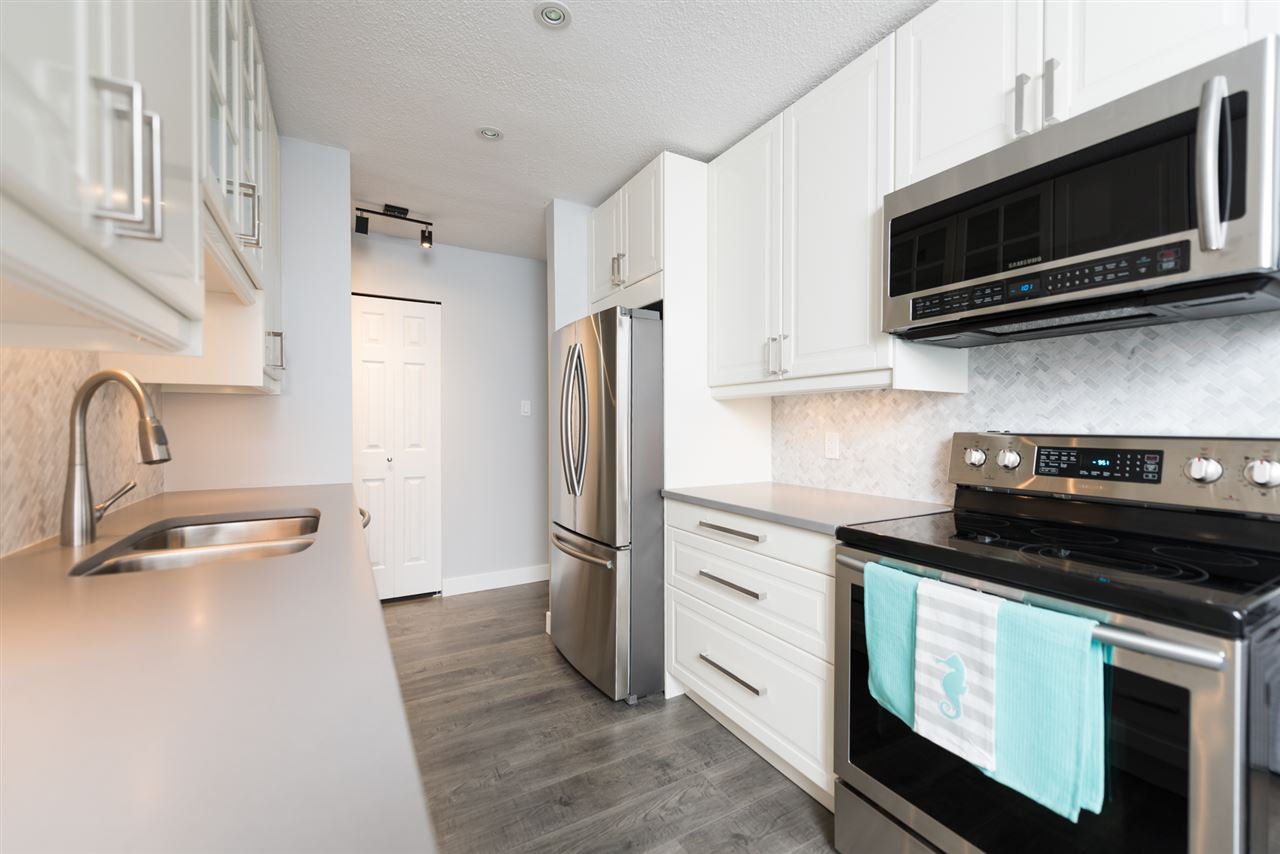 Photo 1: Photos: 207 101 E 29TH STREET in North Vancouver: Upper Lonsdale Condo for sale : MLS®# R2063449