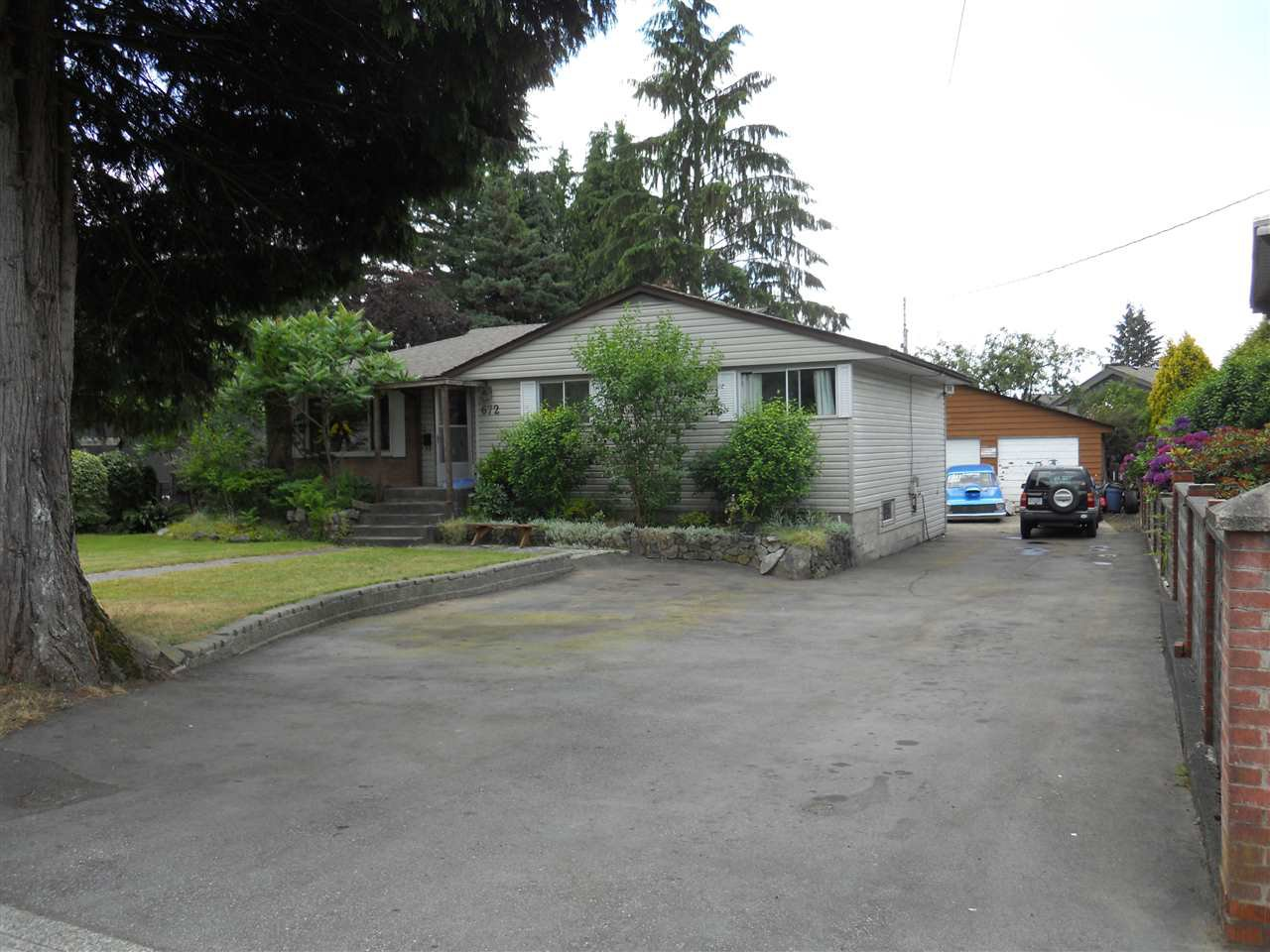 Main Photo: 672 SCHOOLHOUSE STREET in Coquitlam: Central Coquitlam House for sale : MLS®# R2092721