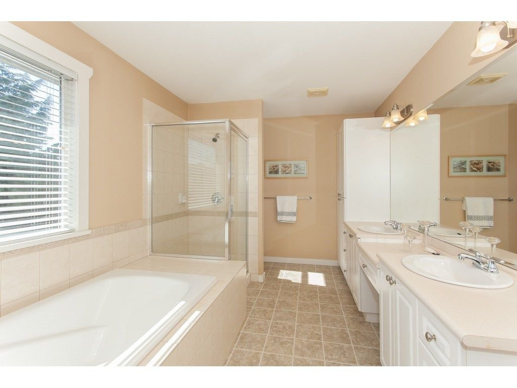 Photo 15: Photos: 18932 68B AVENUE in Surrey: Clayton House for sale (Cloverdale)  : MLS®# R2251083