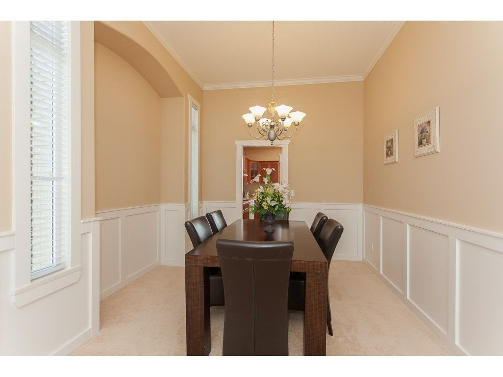 Photo 6: Photos: 18932 68B AVENUE in Surrey: Clayton House for sale (Cloverdale)  : MLS®# R2251083