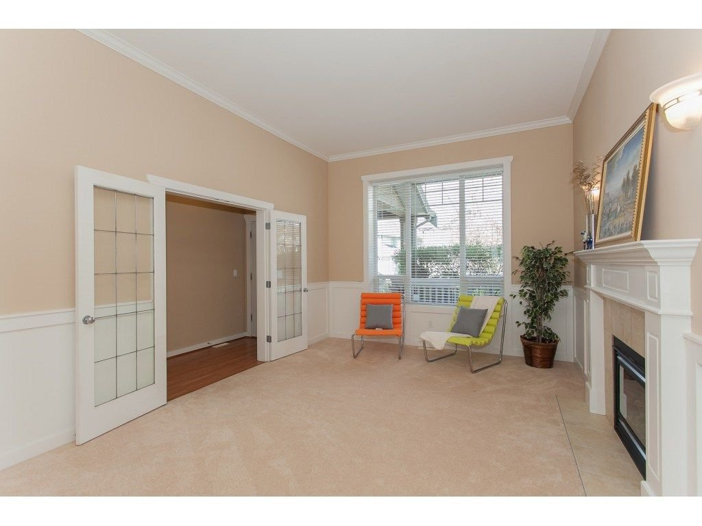 Photo 4: Photos: 18932 68B AVENUE in Surrey: Clayton House for sale (Cloverdale)  : MLS®# R2251083