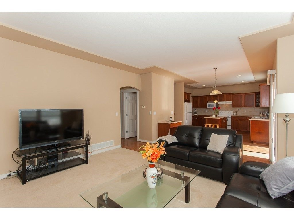 Photo 8: Photos: 18932 68B AVENUE in Surrey: Clayton House for sale (Cloverdale)  : MLS®# R2251083
