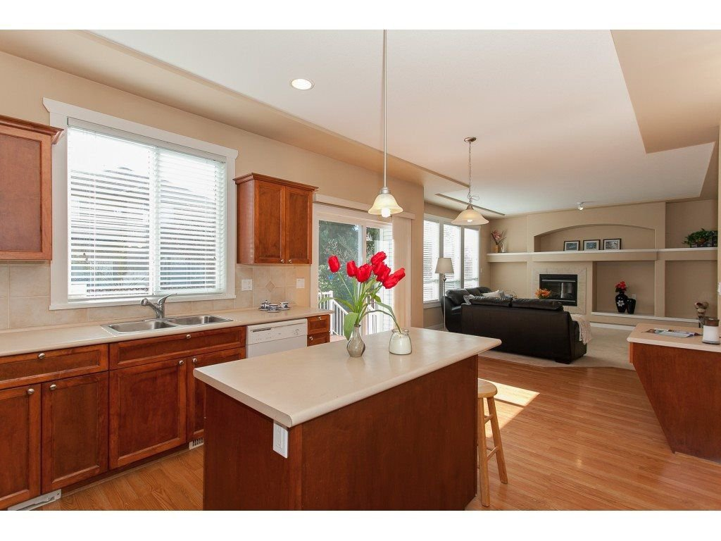 Photo 10: Photos: 18932 68B AVENUE in Surrey: Clayton House for sale (Cloverdale)  : MLS®# R2251083