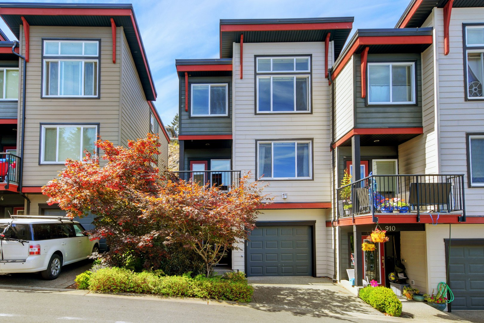 Main Photo: 912 North Hill Place in VICTORIA: La Bear Mountain Row/Townhouse for sale (Langford)  : MLS®# 415175