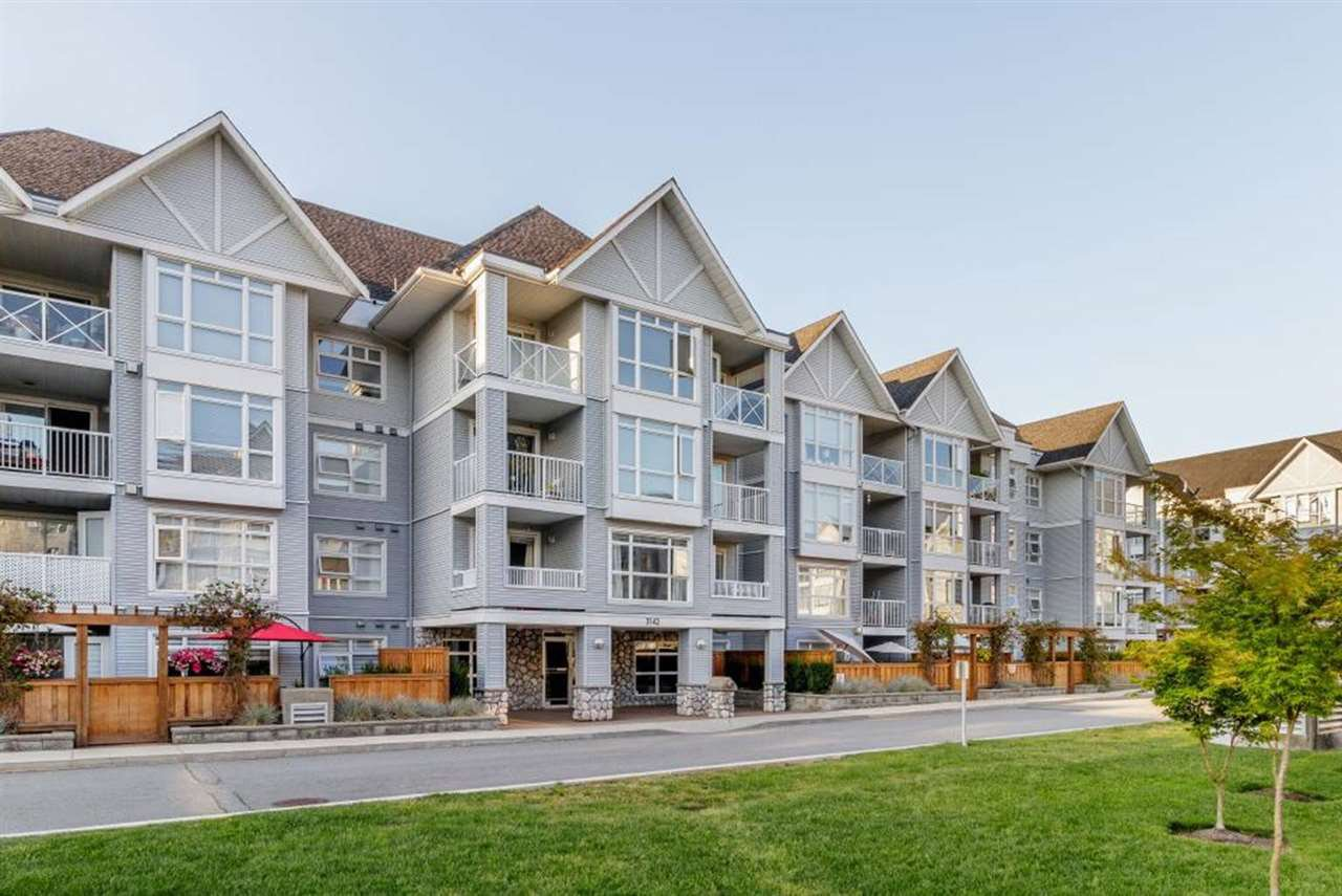 "Main Photo: 404 3142 ST JOHNS Street in Port Moody: Port Moody Centre Condo for sale in ""SONRISA"" : MLS®# R2408947"