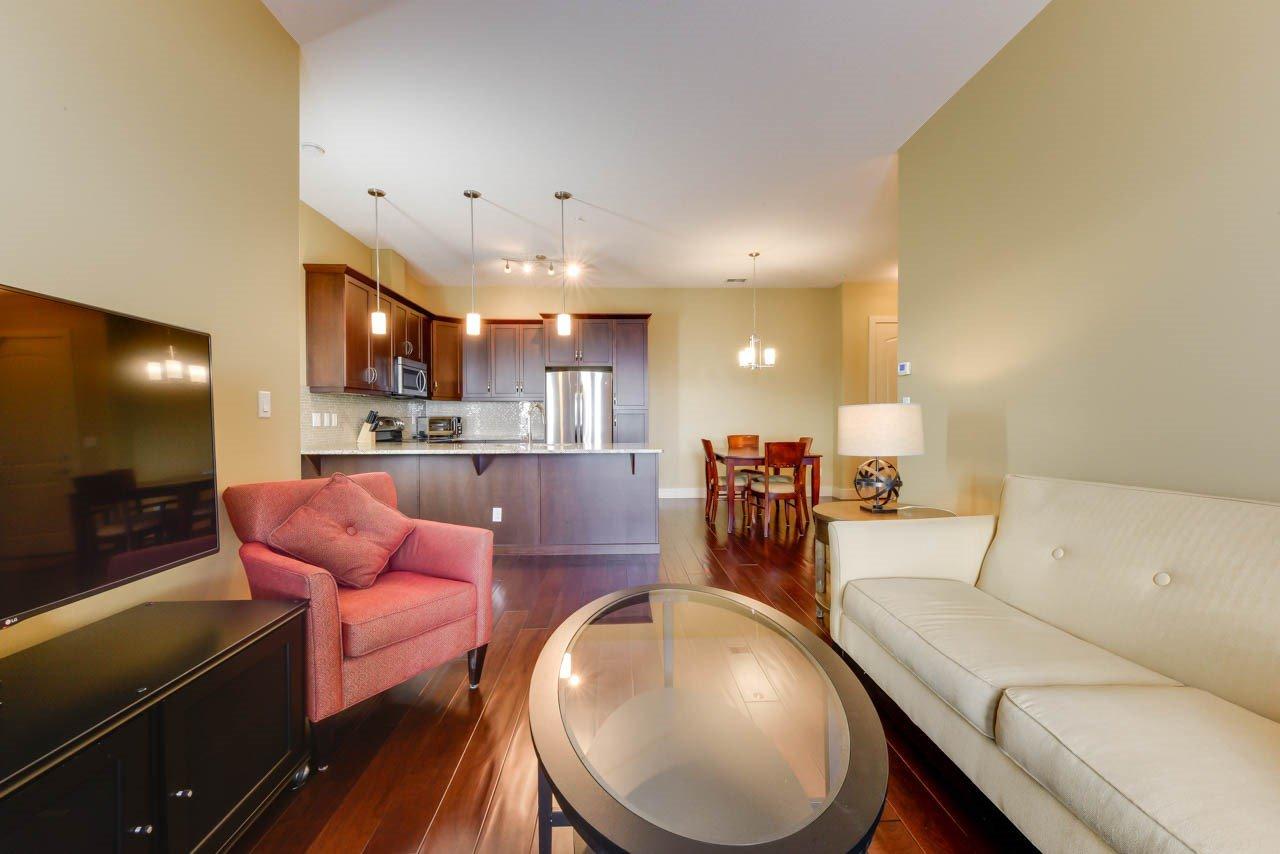 Main Photo: 454 6079 MAYNARD Way in Edmonton: Zone 14 Condo for sale : MLS®# E4182550