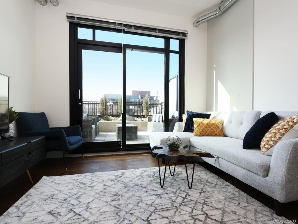 Main Photo: 326 1029 View St in Victoria: Vi Downtown Condo Apartment for sale : MLS®# 836533