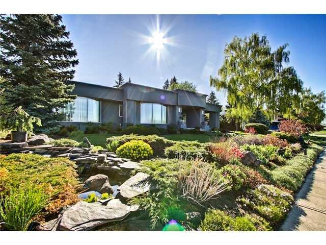Main Photo: 4620 BRITANNIA Drive SW in CALGARY: Britannia Residential Detached Single Family for sale (Calgary)  : MLS®# C3570527