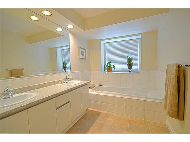 """Photo 9: Photos: 145 101 PARKSIDE Drive in Port Moody: Heritage Mountain Townhouse for sale in """"TREETOPS"""" : MLS®# V1078702"""