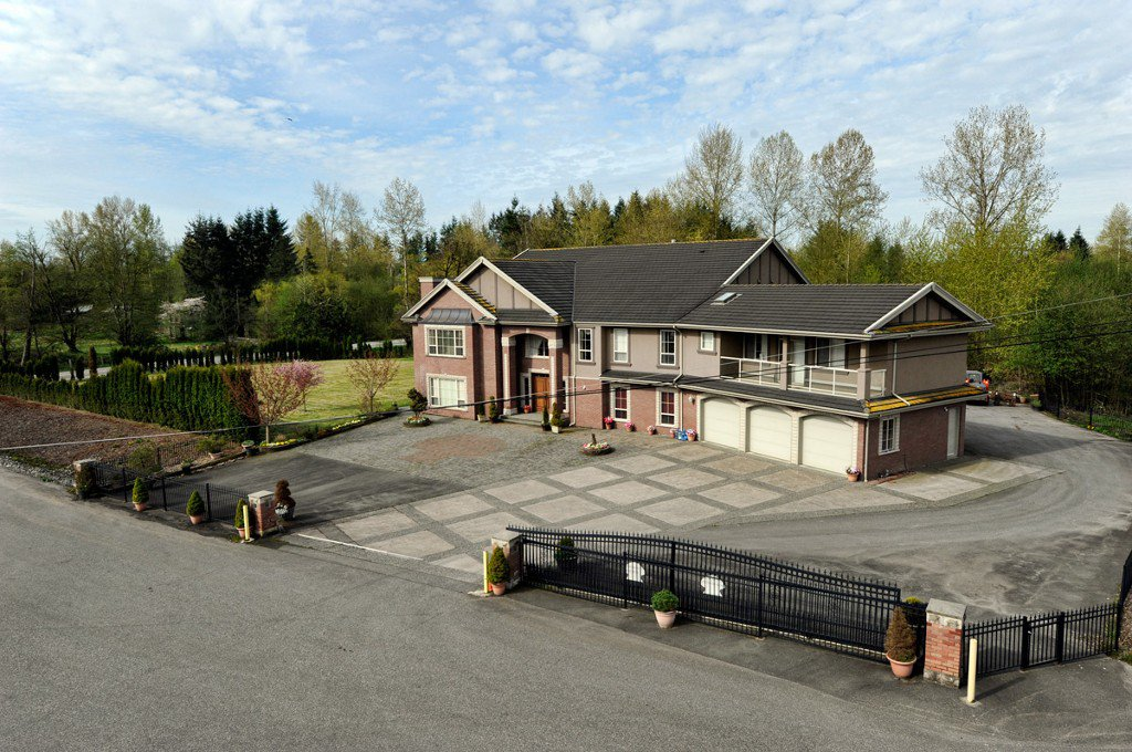 Photo 2: Photos: 23751 16 ave in Langley: Home for sale : MLS®# F3200594