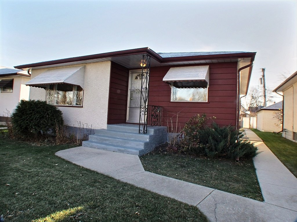 Main Photo: 405 Dalton Street in : Sinclair Park Residential for sale (North West Winnipeg)  : MLS®# 1426832