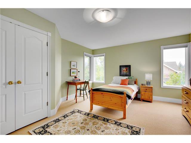 Photo 26: Photos: 1409 PREMIER WY SW in Calgary: Upper Mount Royal House for sale : MLS®# C4092441