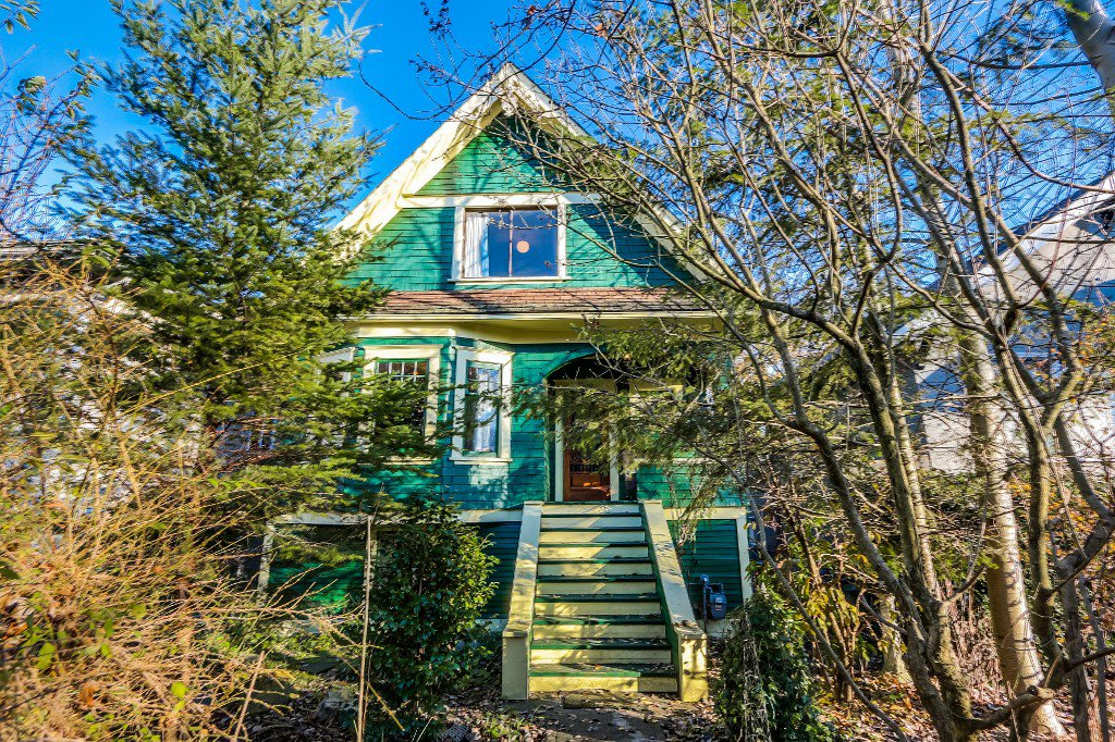 Main Photo: 3030 Victoria Drive in : Grandview VE House for sale (Vancouver East)