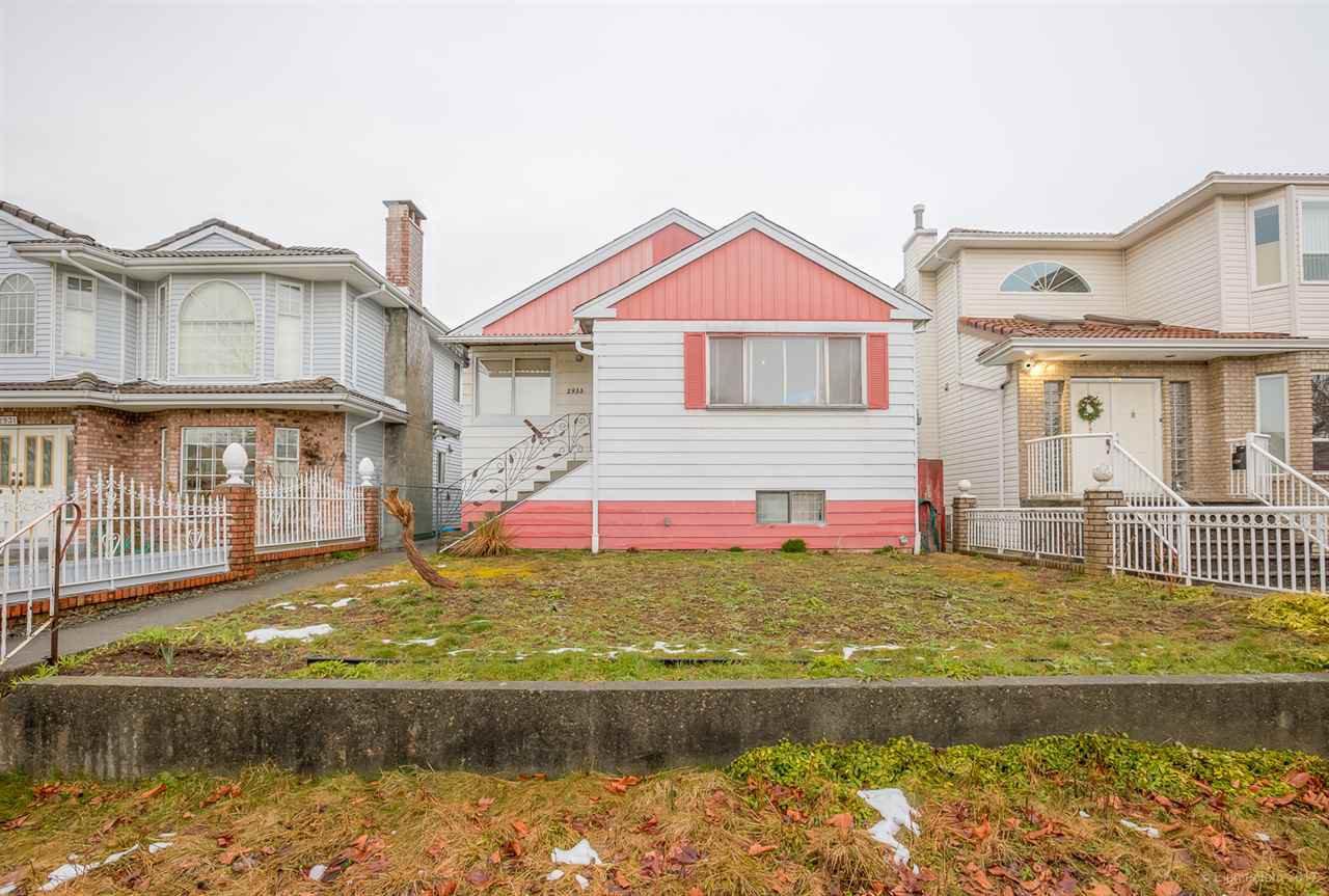 Main Photo: 2933 E 43RD AVENUE in : Killarney VE House for sale : MLS®# R2145638