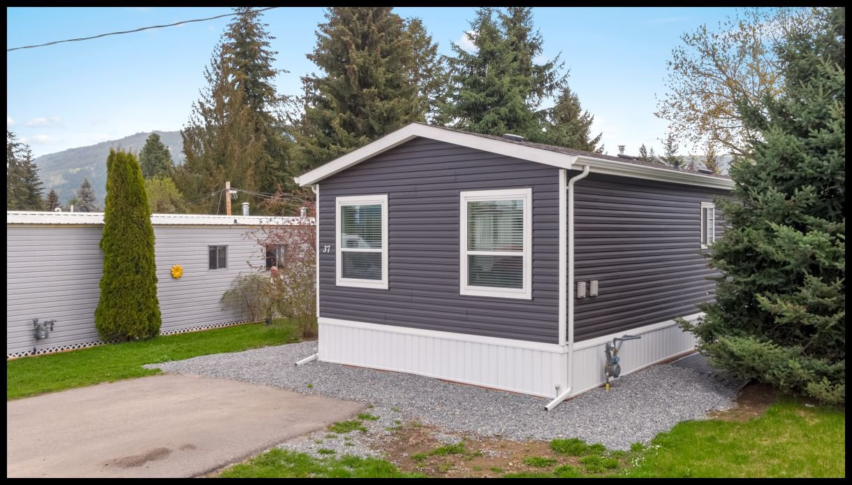 Main Photo: 37 3350 Northeast 10 Avenue in Salmon Arm: EVERGREEN MHP House for sale (NE Salmon Arm)  : MLS®# 10181497